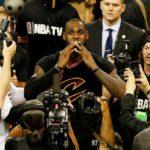 【NEWS】15年目を迎えたレブロン「NBAで息子にファウルするまで」現役に色気